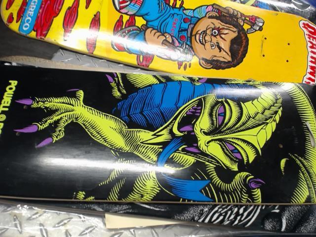 Skateboard green dragon