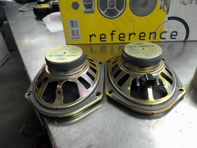 2 speakers auto ford