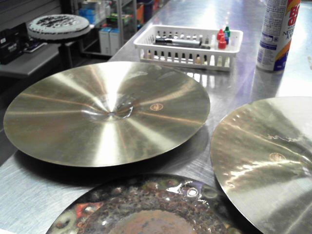 Hi hats giant beat paiste 14 pouces