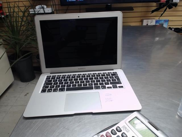 Portable apple mac book air ch