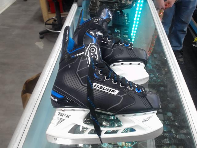 Patin de hockey 9.5 neuf