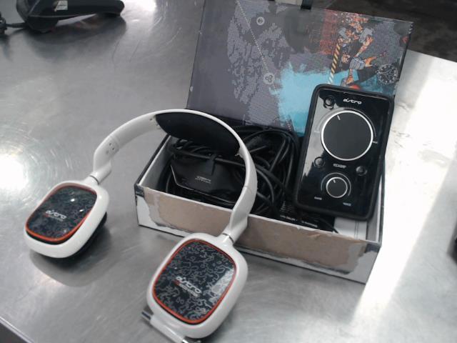 Astro a30 + fils + boite + mix amp