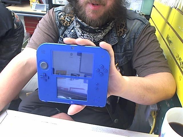 Nintendo 2 ds bleu avec charge