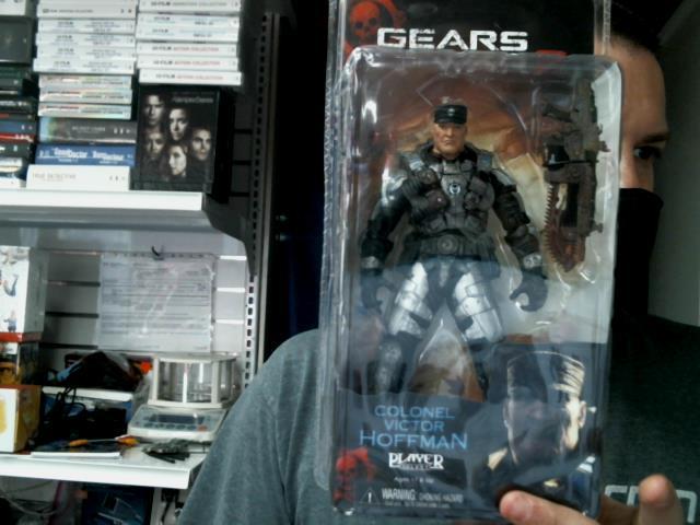 Gears of war 2 colonel hoffman