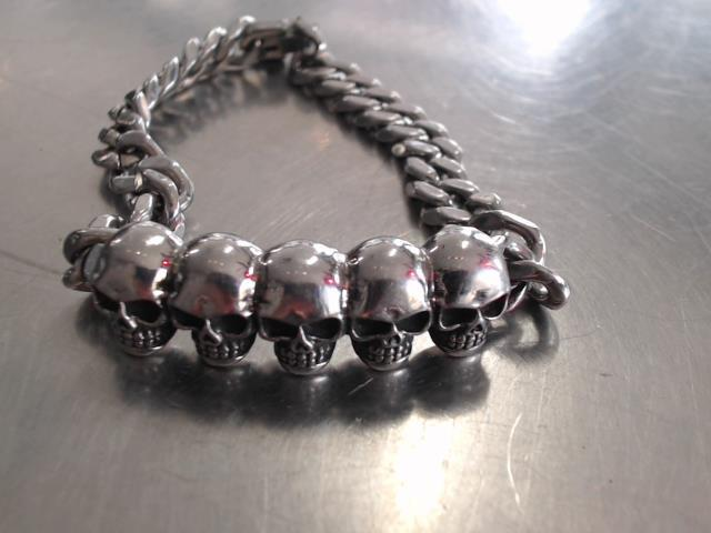 5 skulls biker bracelet
