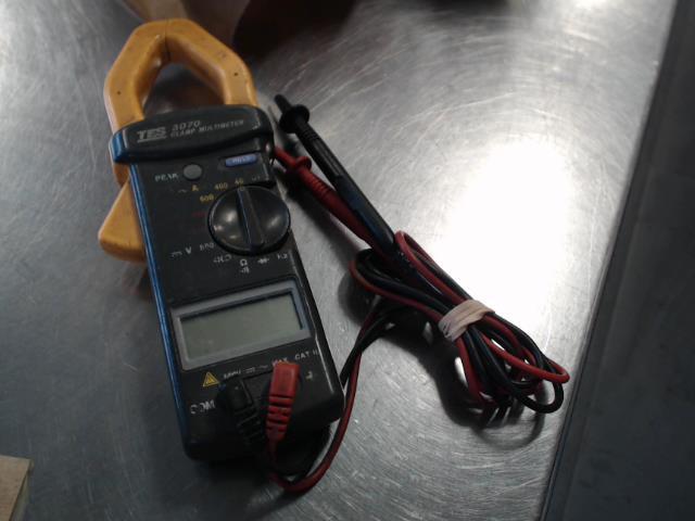 Multimetre clamp