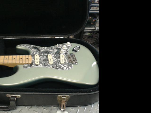 Fender strat mexicaine vert 2004-2005
