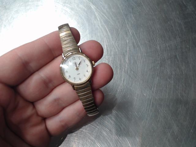 Montre ronde petit bracelet dorÉ