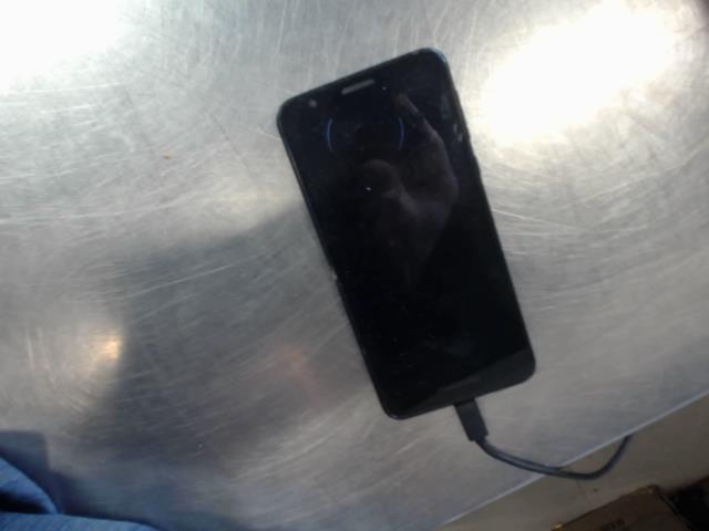 Motorola e6 avec craque en haut c:1234