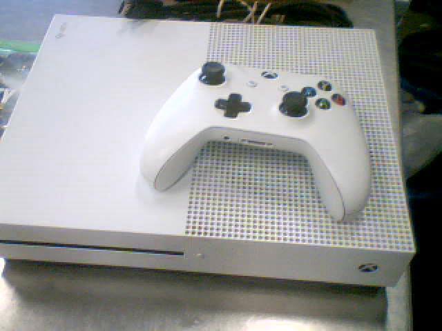 Xbox one slim 1tb+fils+man